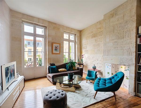 photo immobilières de qualité d'un salon